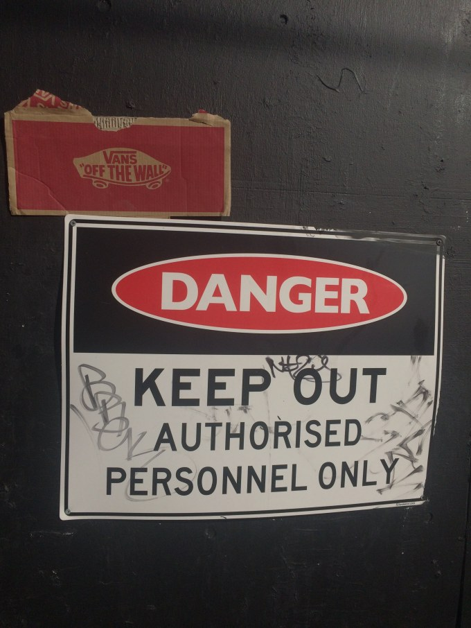 Danger:KEEP OUT